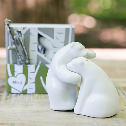 9481-i_interlocking-bear-hug-miniature-salt-and-pepper-shakers